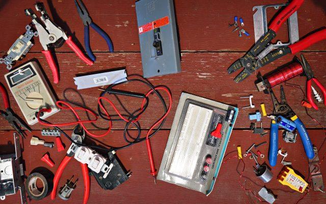 Czym jest urządzenie elektryczne?